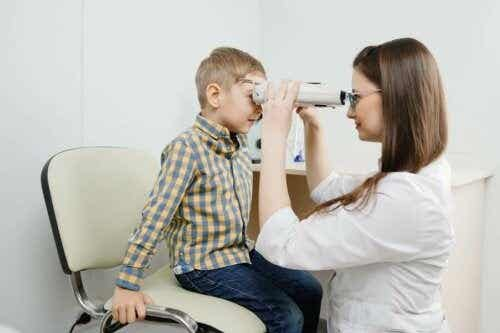 Simptomele retinoblastomului și tipuri de tratament