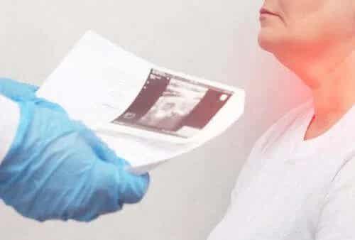 Cauzele și simptomele nodulilor tiroidieni
