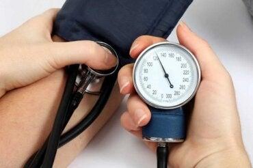 5 remedii naturale pentru hipertensiune