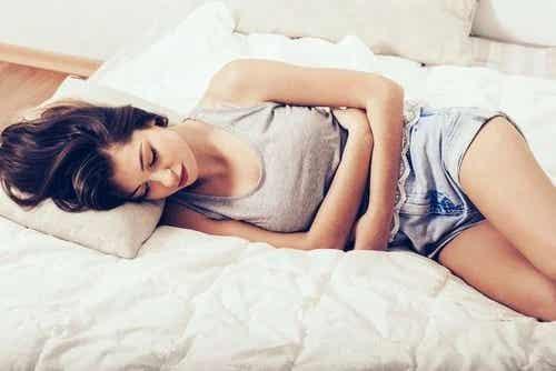 8 simptome periculoase pentru femei