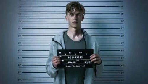 Băiat arestat de poliție