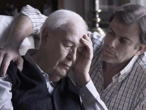 Bărbat care știe că somnul poate preveni bolile creierului