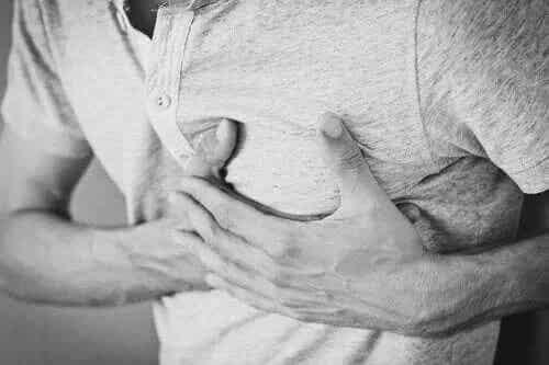 Sughițul cronic: cauze, tratament și consecințe