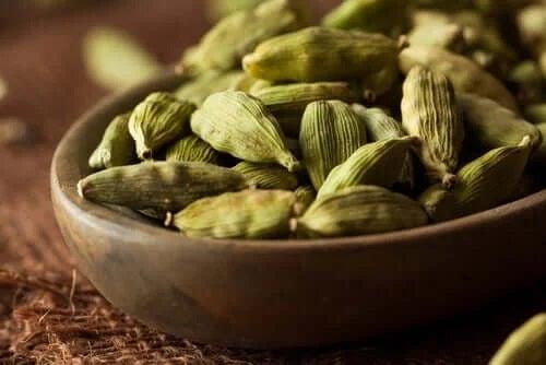 Beneficiile cardamonului pentru sănătate