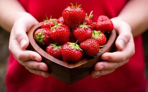 Căpșuni pe lista de fructe pentru ficatul gras