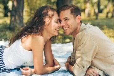 Cum să ai o relație fericită și de lungă durată