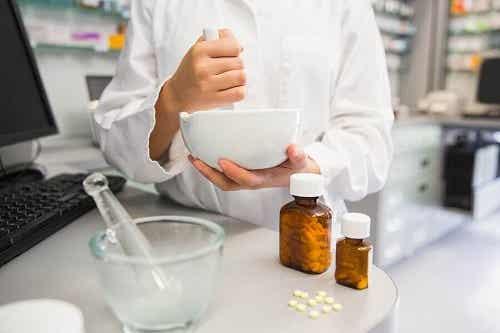 6 riscuri ale pisării medicamentelor