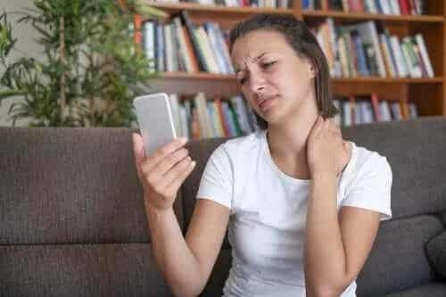 Sindromul Text Neck: metode de prevenire