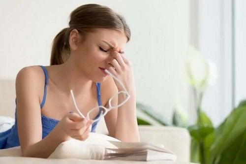 Migrena oculară: cum te poate afecta?