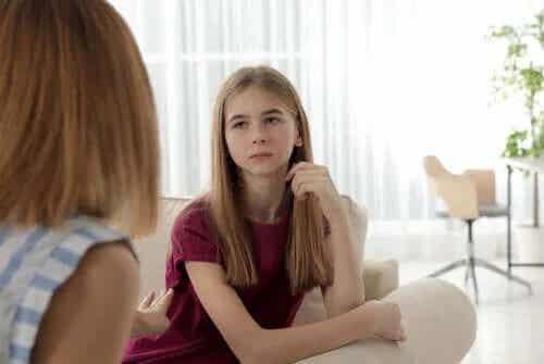 Minciunile adolescenților: ce poți face?
