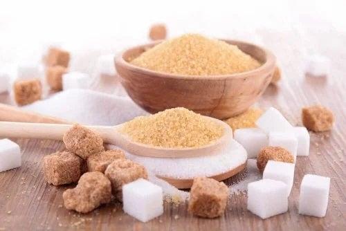 Zahărul brun sau zahărul alb