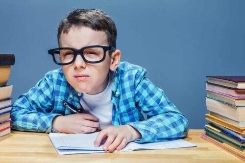 Astigmatismul la copii de vârstă școlară