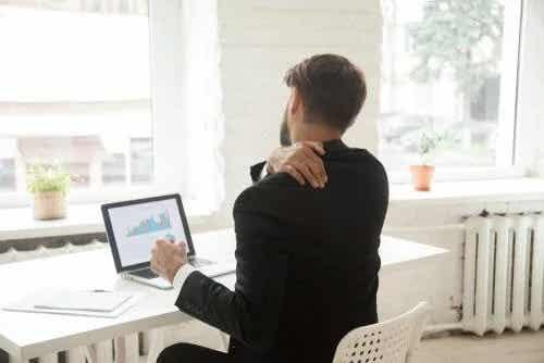 Ai o slujbă sedentară? Fă aceste lucruri!