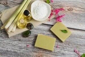 Beneficiile uleiului de citronella