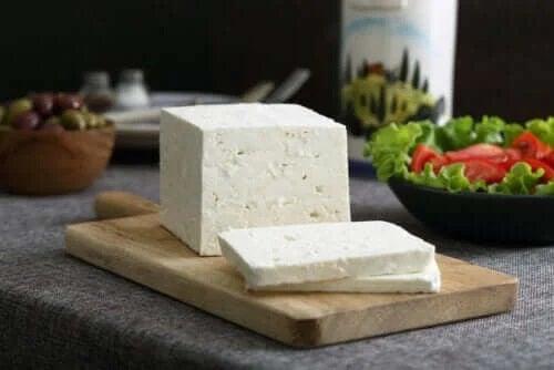 Tot ce trebuie să știi despre brânza feta