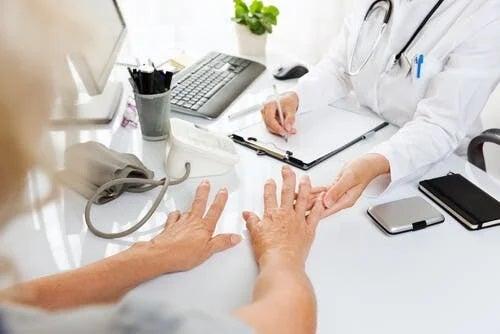 Întrebări frecvente despre artrită