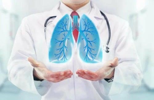 Medic ce explică de ce respiri greu când faci sport