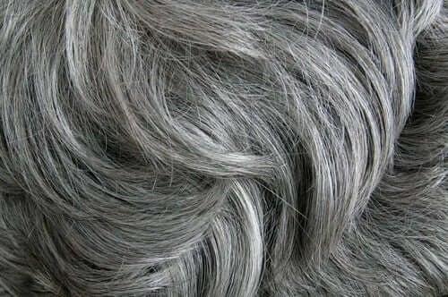 Stresul și albirea părului: rezultatele studiilor