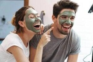 Diferențele dintre pielea bărbaților și a femeilor