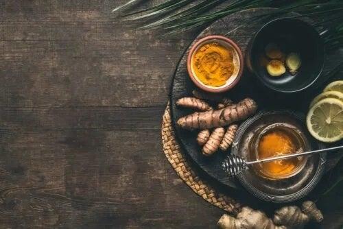 Beneficiile ceaiului de turmeric pentru sănătate