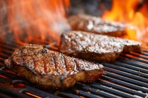 Dieta carnivoră presupune un consum excesiv de carne