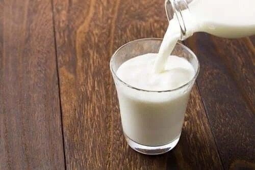 Pahar cu lapte