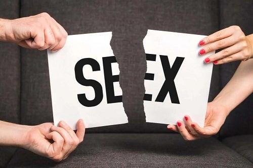 Semn cu sex rupt în două