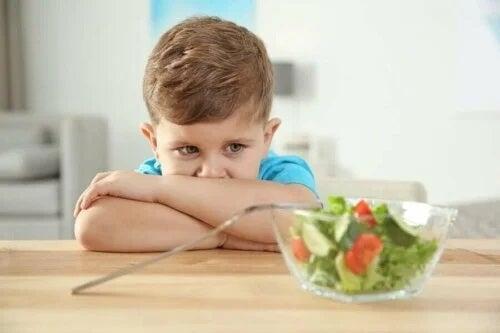 Tulburările alimentare la copiii autiști duc la respingerea hranei