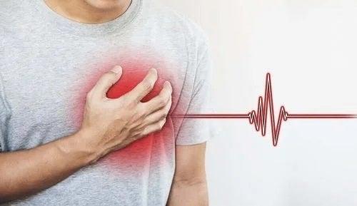 Bărbat care are probleme cu inima