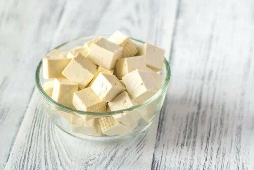 Beneficiile brânzei vegane
