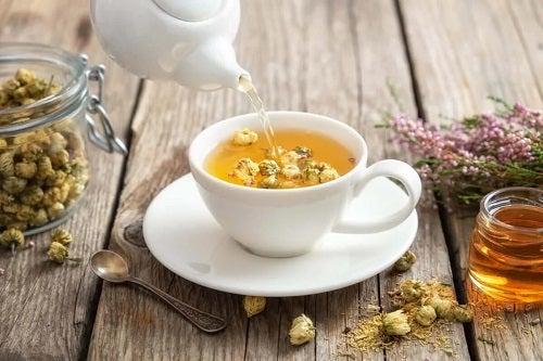 Ceai preparat din cele mai eficiente plante medicinale