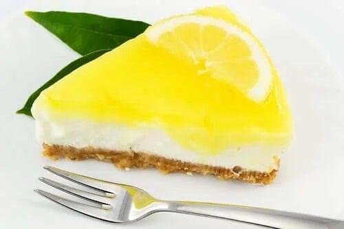 Cheesecake fără zahăr cu lmâie