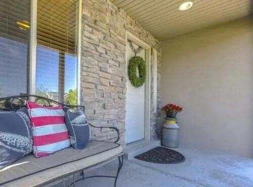Elemente decorative necesare pentru hol la intrarea în casă