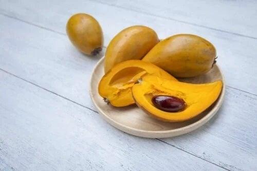 Fructul lucuma