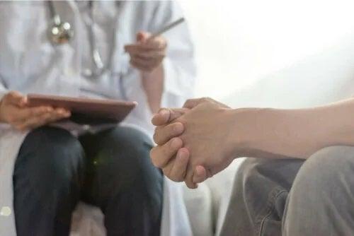 Medic care discută despre tipuri de schizofrenie