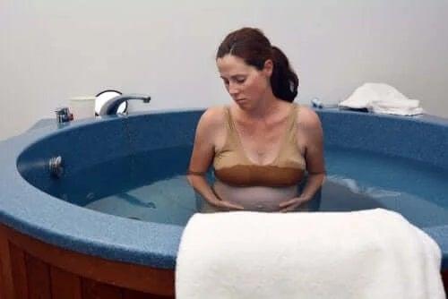Nașterea în apă la un centru medical