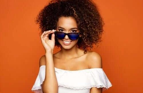 Ochelarii sunt accesorii la modă
