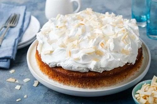 Prăjitură Tres Leches cu bezea
