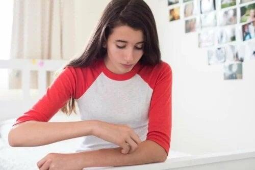 Pruritul sau mâncărimea pielii de pe brațe