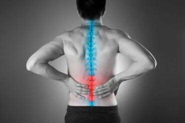 4 moduri naturale ca să scapi de durerea de spate