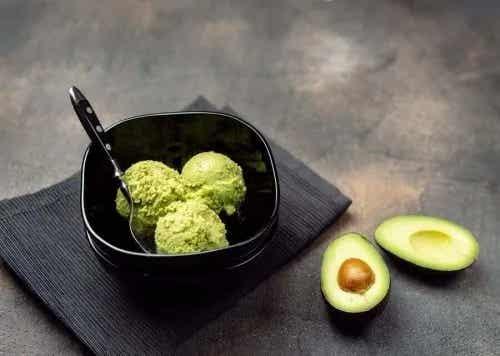 Rețetă de sos cremos de avocado