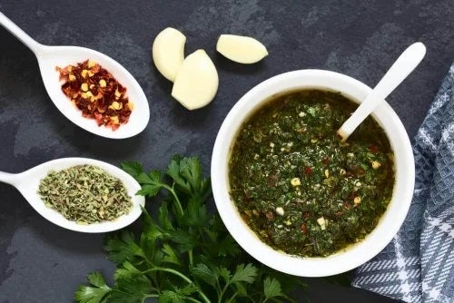 Sos verde pentru chiftele de merluciu și creveți