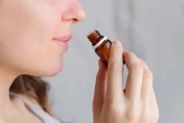 Aromaterapia pentru durerile menstruale
