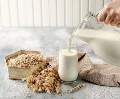 Proprietățile și beneficiile laptelui de ovăz