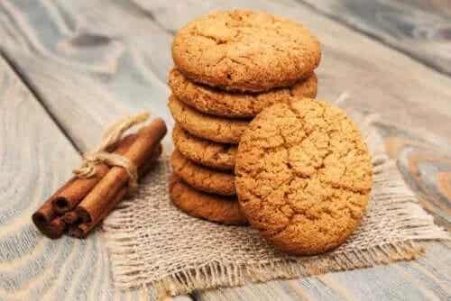 Rețetă simplă de biscuiți cu scorțișoară