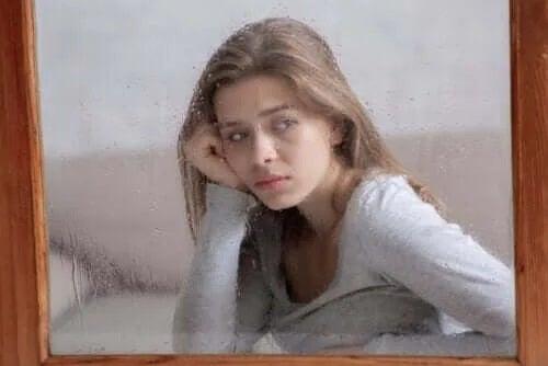 Autofobia: ce înseamnă frica de a fi singur?