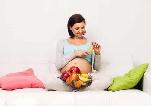 Consumul de zahăr în sarcină: riscuri