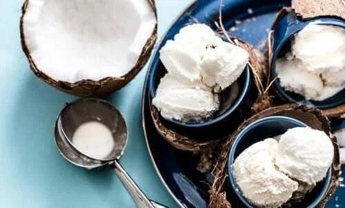 Rețete de înghețată cu lapte de cocos
