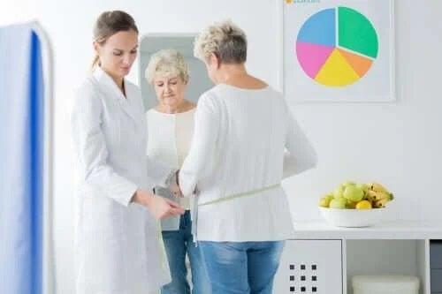 Medic care explică rolul dietei la menopauză