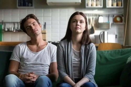 Cum să eviți monotonia în cuplu